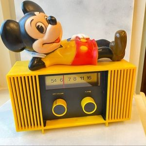 Vintage Mickey Mouse battery operated radio